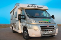 Camping Car Logotisé.jpg